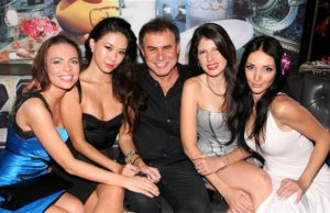 Nouriel-Roubini-and-friends
