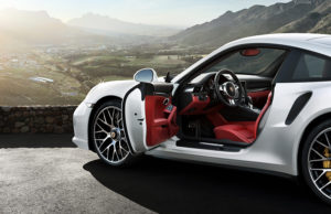 porsche-911-turbo-interior-video-1