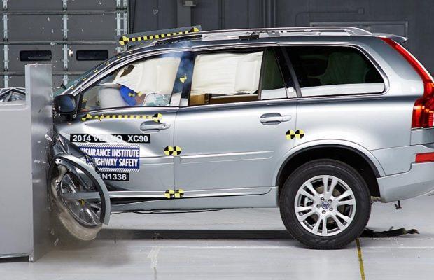 Volvo_XC90_crash